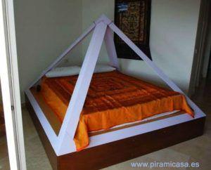 Pirámide cama